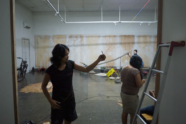 Ardi Gunawan's string instrument starting to come together