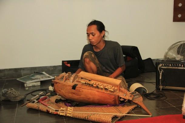 Javanese Hurdy Gurdy